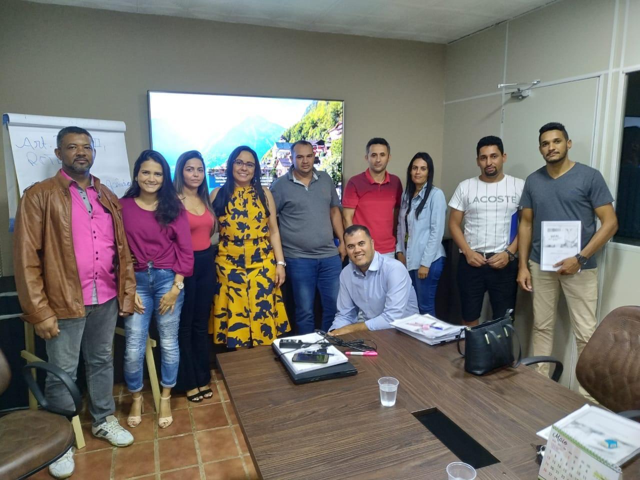 Equipe administrativa participa de treinamento sobre DIFAL