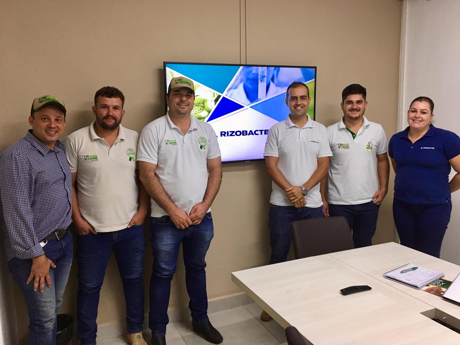 Equipe de produção da Boa Safra participa de capacitação sobre as tecnologias dos inoculantes da Rizobacter