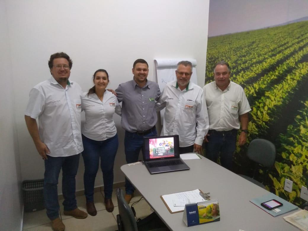 Boa Safra realiza treinamento no parceiro Lemefertil Produtos Agrícolas, filial em Porto Ferreira/SP