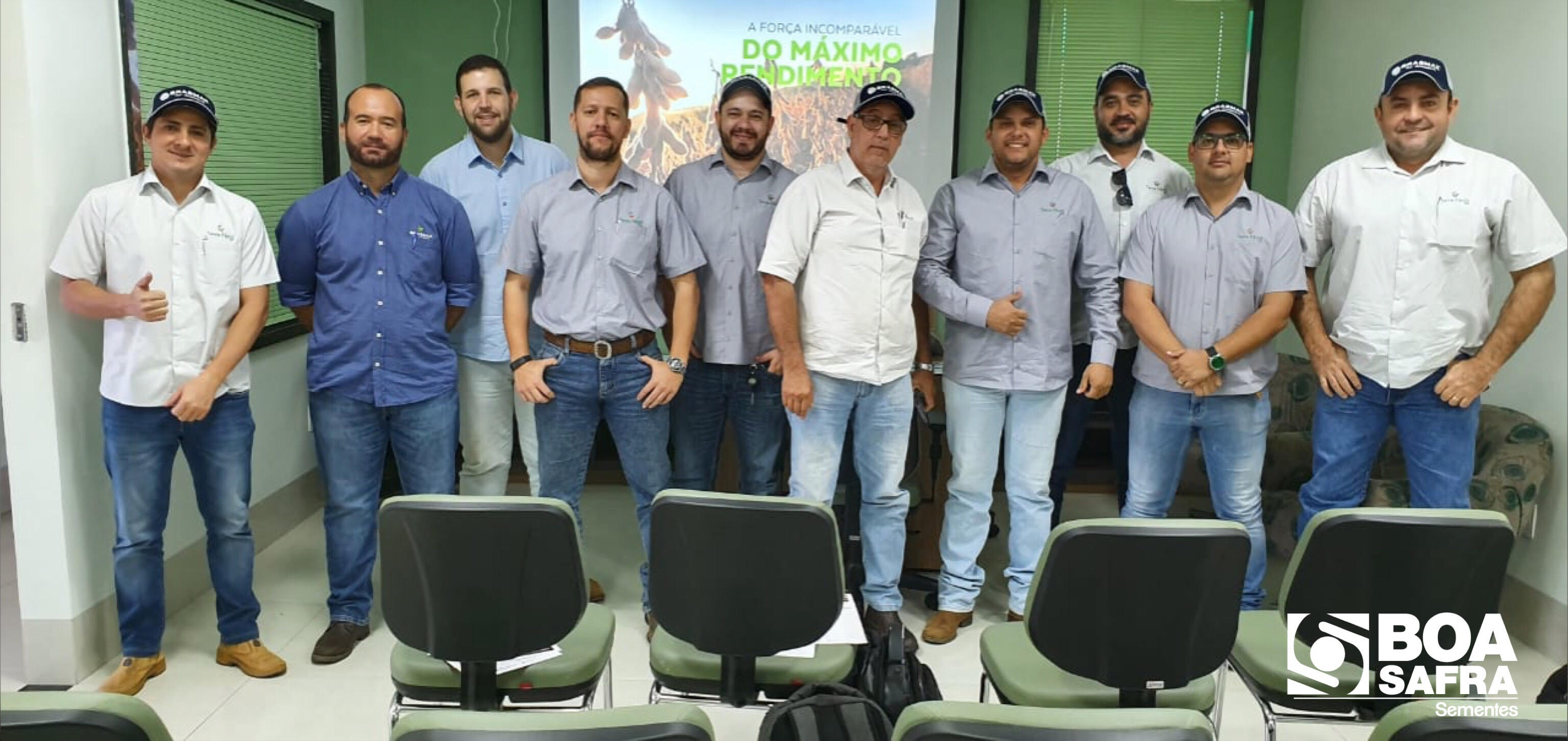 Boa Safra realiza treinamento técnico na revenda Terra Fértil Agro