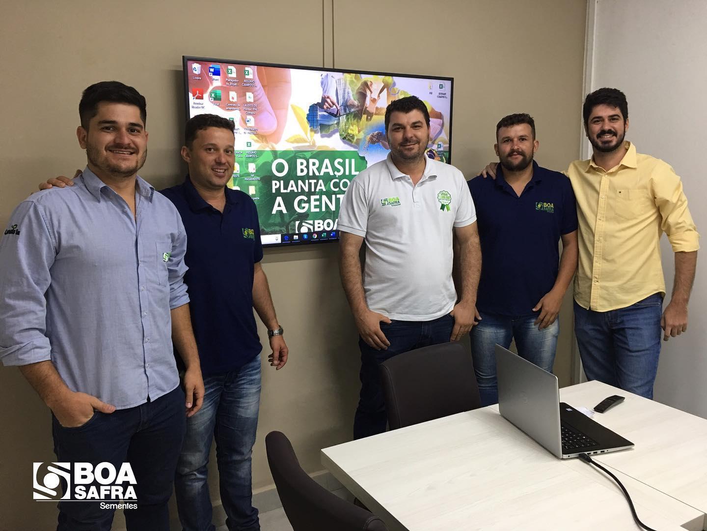 Equipe de produção se reúne para planejamento Safra 2019/20