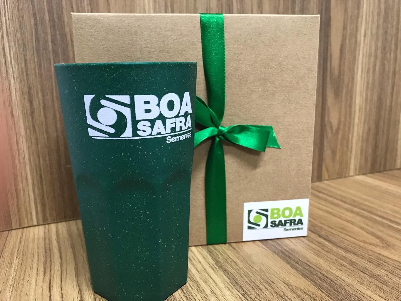 Boa Safra entrega eco copos para colaboradores