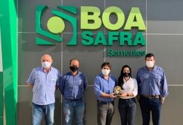 Boa Safra recebe premiação da Brasmax como a maior produtora de sementes no Cerrado Brasileiro.